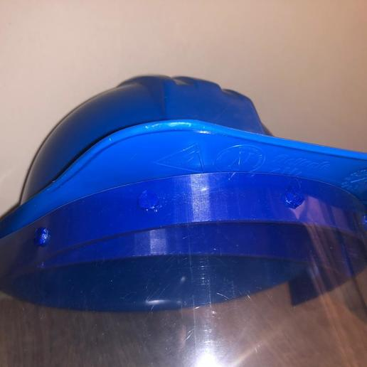 WhatsApp Image 2020-06-05 at 11.16.04 AM (1).jpeg Download STL file face shield adaptor security helmet • Template to 3D print, wernerfrass