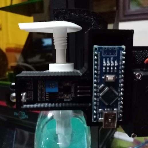 IMG_20200507_010938.jpg Télécharger fichier STL gratuit Distributeur automatique de gel Remix • Plan à imprimer en 3D, maxine95