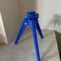 Descargar archivo 3D gratis Teléfono con trípode o cámara pequeña, Stuck69