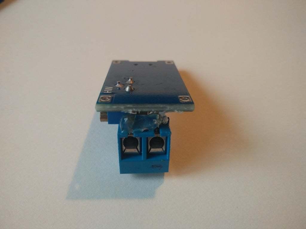 IMG_20200313_170918.jpg Télécharger fichier STL gratuit Boîtier Snapfit pour le module d'amplification réglable DC-DC MT3608 avec micro USB • Plan pour impression 3D, SimonSeghers