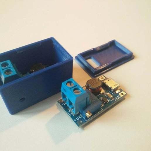 IMG_20200313_170828.jpg Télécharger fichier STL gratuit Boîtier Snapfit pour le module d'amplification réglable DC-DC MT3608 avec micro USB • Plan pour impression 3D, SimonSeghers