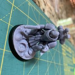 Télécharger fichier STL Marty, le médecin de l'espace • Modèle à imprimer en 3D, Zhayne