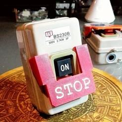EStop2.jpg Download STL file Emergency stop button for 3 phase manual motor starter • Model to 3D print, mbernalcu