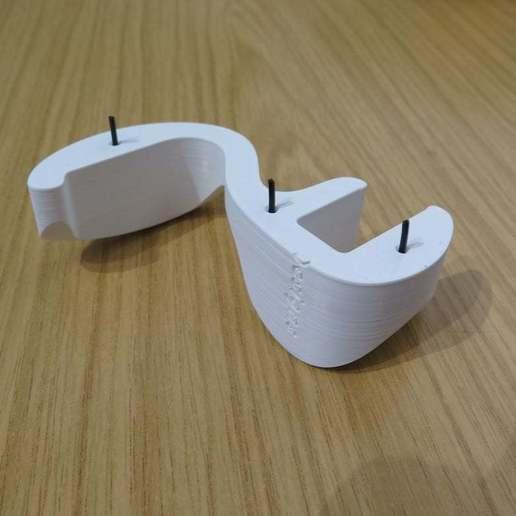 "CHH_with_Pins.JPG Download free STL file ""Cobra"" Headphone Hook • 3D printable design, moXDesigns"
