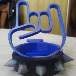 IMG_20200705_144630.jpg Télécharger fichier STL téléphone stand hand rock • Design imprimable en 3D, nicdure
