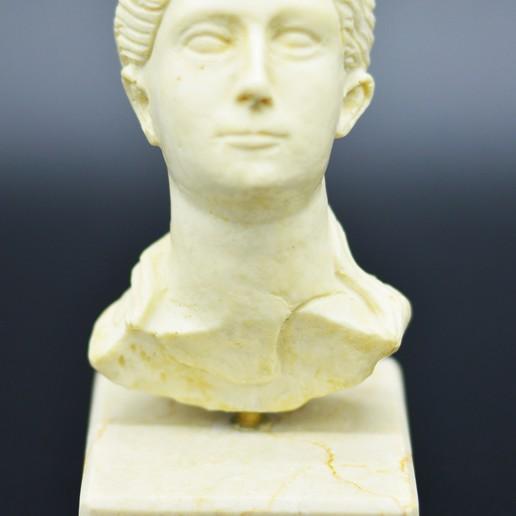 Download 3D printer templates Roman Lady, FGArte