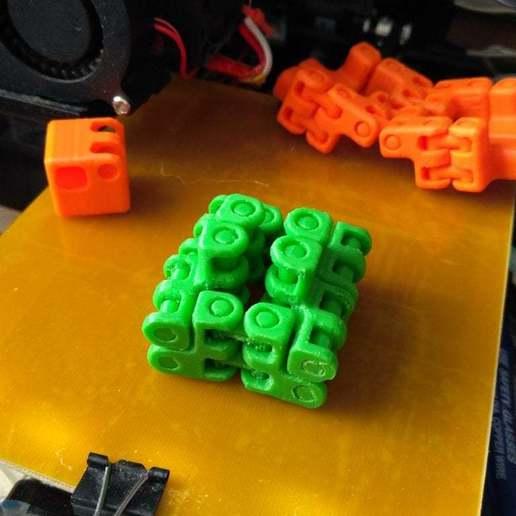 pic-20170410073358.jpg Télécharger fichier STL gratuit Kobayashy Fidget Cube Simplifié v3 • Objet à imprimer en 3D, SiberK