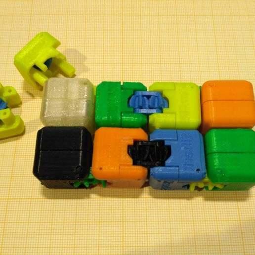 pic-20190427_124956.jpg Télécharger fichier STL gratuit Un cube de flipper avec un équipement intérieur. • Objet à imprimer en 3D, SiberK