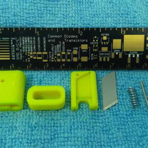 pic-20200708_134444cr.jpg Télécharger fichier STL gratuit Coupe-filament (lame de 18 mm) • Design pour imprimante 3D, SiberK