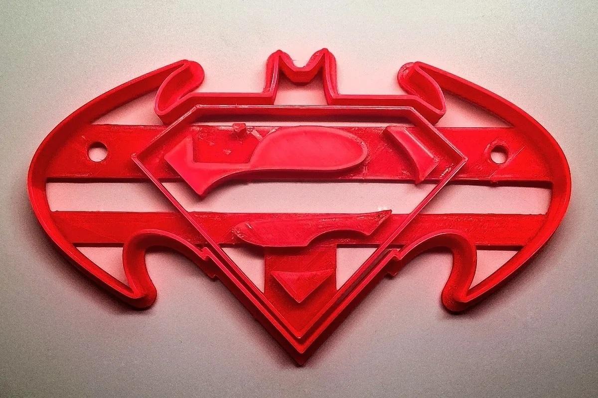 cortadores-de-galletas-superheroes-x-10-D_NQ_NP_774157-MLA40896263126_022020-F.jpg Télécharger fichier STL gratuit Le coupeur de biscuits Batman contre Superman • Objet pour impression 3D, insua_lucas