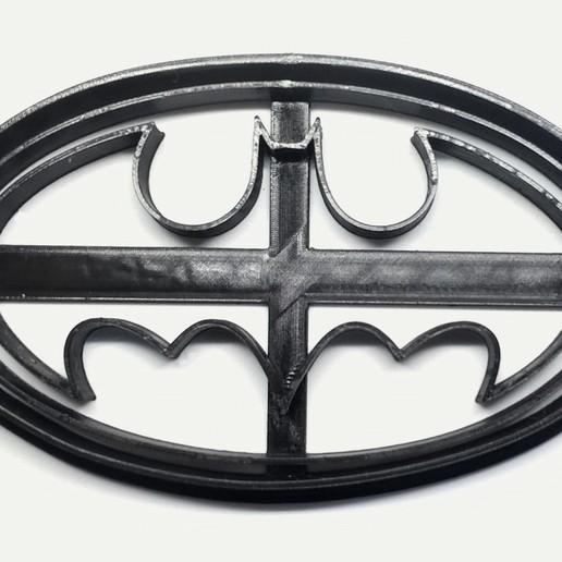 Escudo Batman copy.jpg Télécharger fichier STL gratuit Logo de Batman, coupeur de biscuits • Plan à imprimer en 3D, insua_lucas