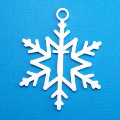 TSnowflakeInitialGiftTag3DPhoto.jpg Download STL file Letter T - Snowflake Initial Gift Tag Ornament • 3D printable model, CBDesigns