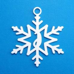 JSnowflakeInitialGiftTag3DPhoto.jpg Télécharger fichier STL Lettre J - Décoration de l'étiquette cadeau initiale du flocon de neige • Modèle pour impression 3D, CBDesigns