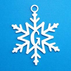 GSnowflakeInitialGiftTag3DPhoto.jpg Télécharger fichier STL Lettre G - Décoration de l'étiquette cadeau initiale du flocon de neige • Objet pour imprimante 3D, CBDesigns