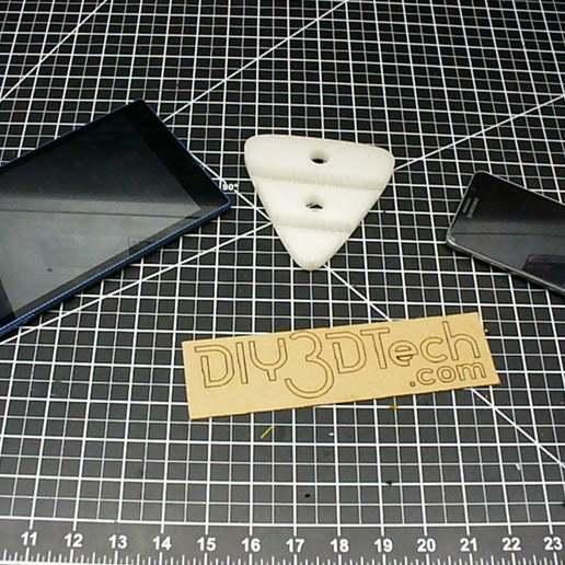 Download gratis 3D-printontwerpen Modern telefoon- en tabletstandontwerp !, DIY3DTech