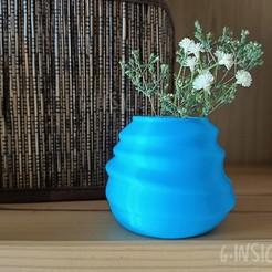 Vasetto 1.jpg Download STL file Cute CURVY little vase • 3D printer template, GinSicily