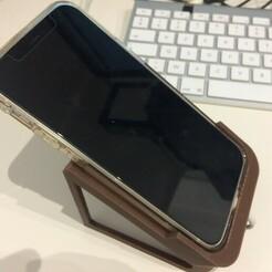 C0740688-BCC0-4F89-8306-49F374FDBC28_1_105_c.jpeg Télécharger fichier STL gratuit Desk stand for iphone 12 with case and smaller • Plan pour imprimante 3D, papyy29