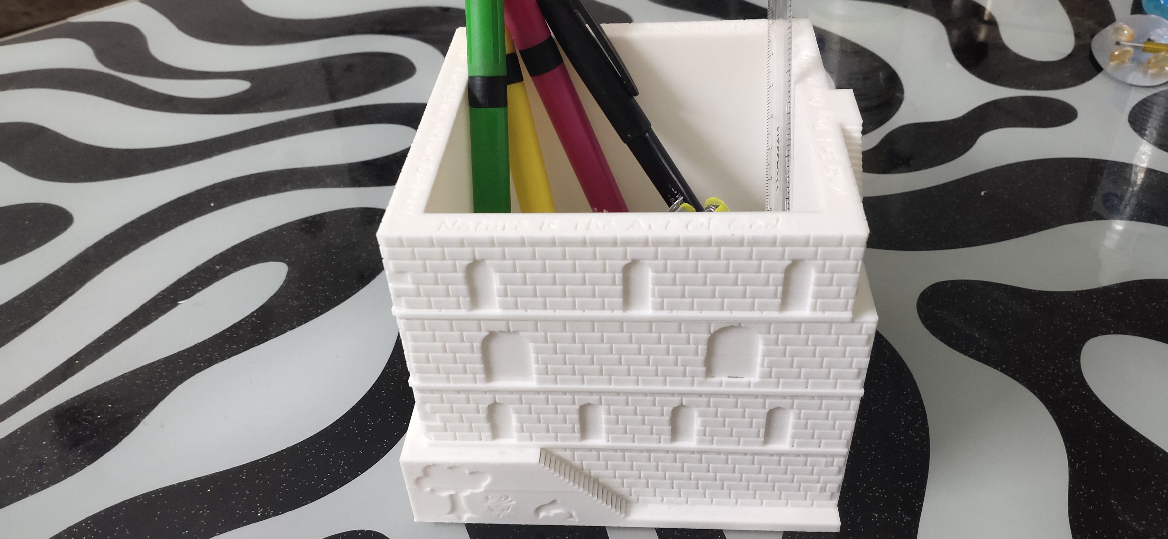 IMG_20200928_160216.jpg Download STL file Plant and desk pot • 3D printer object, FutureDesigns