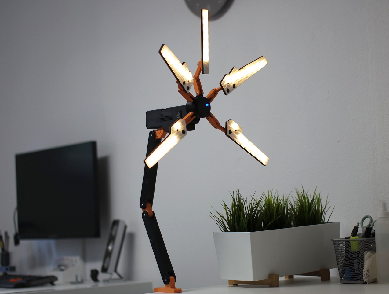 pp13.png Download STL file Death Stranding Desk Lamp (or cosplay prop) • Object to 3D print, NKpolymers