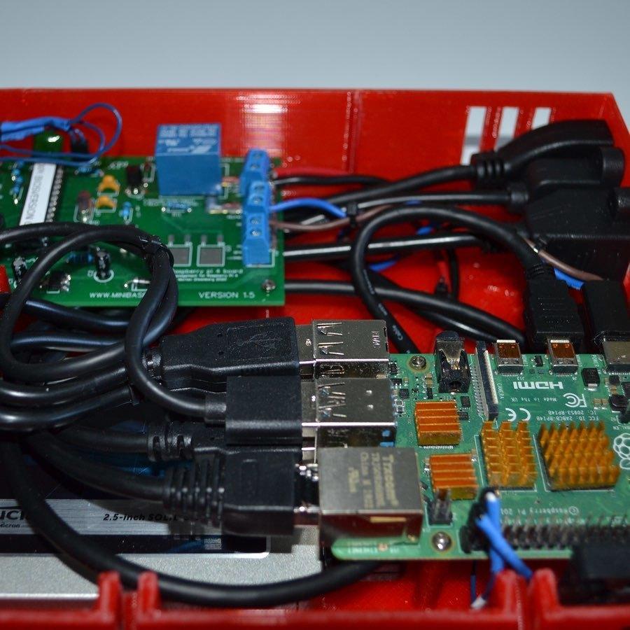 xpi_030.jpg Download STL file Raspberry Pi 4 case XPI • 3D printing template, Steenberg