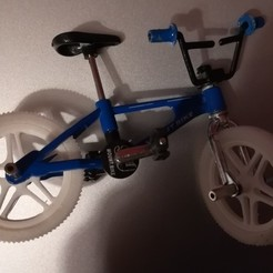 IMG_20201110_182228_resized_20201110_062305444.jpg Download free STL file Wheel and handlebar grip for miniature BMX toy • 3D print object, Armand_D