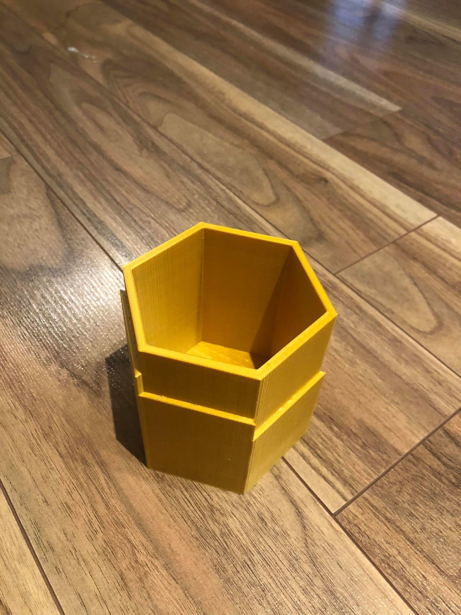 pot 1.jpg Télécharger fichier STL gratuit Pot à fleurs hexagonal • Objet imprimable en 3D, bossnics