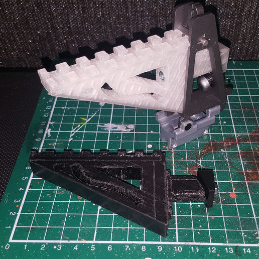 aa-12 full_auto_shotgun_rail_a.jpg Télécharger fichier STL gratuit Airsoft AA-12 auto shotgun rail • Modèle à imprimer en 3D, Lumpilein