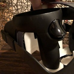 Download 3D printer designs Oculus Quest stand with carrying handle for easy relocation, mathlete