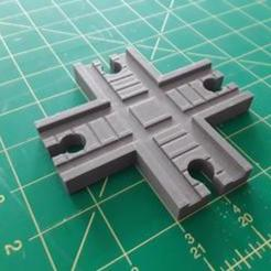 ToyTrainTrackIntersection_01.jpg Download STL file Toy Train Track Intersection • Template to 3D print, 3dGrimwood
