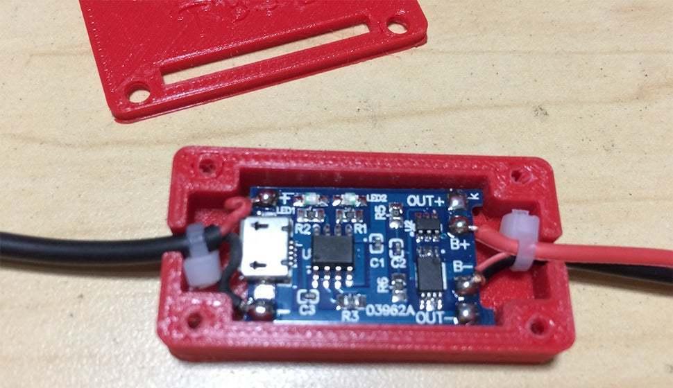 1.jpg Télécharger fichier STL gratuit Protection du boîtier Pile au lithium Module de chargement • Objet à imprimer en 3D, TB3D