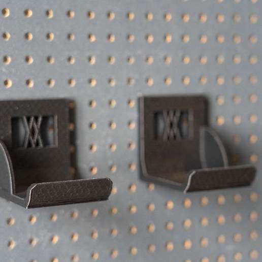 033_1.jpg Download free STL file XXL Sledgehammer Holder (4.5kg/10lb) 033 I ENFORCE I for screws or peg board • 3D print design, Wiesemann1893