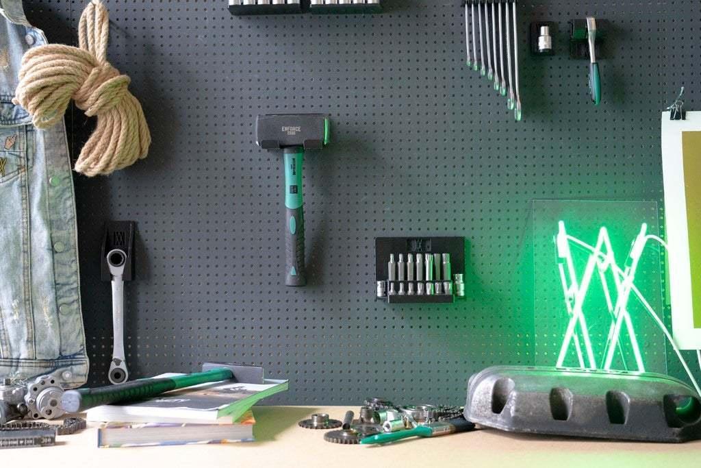 20181023-_DSC8084.jpg Download free STL file XXL Club Hammer 2000 Grams holder 041 I ENFORCE I for screws or peg board • 3D print template, Wiesemann1893