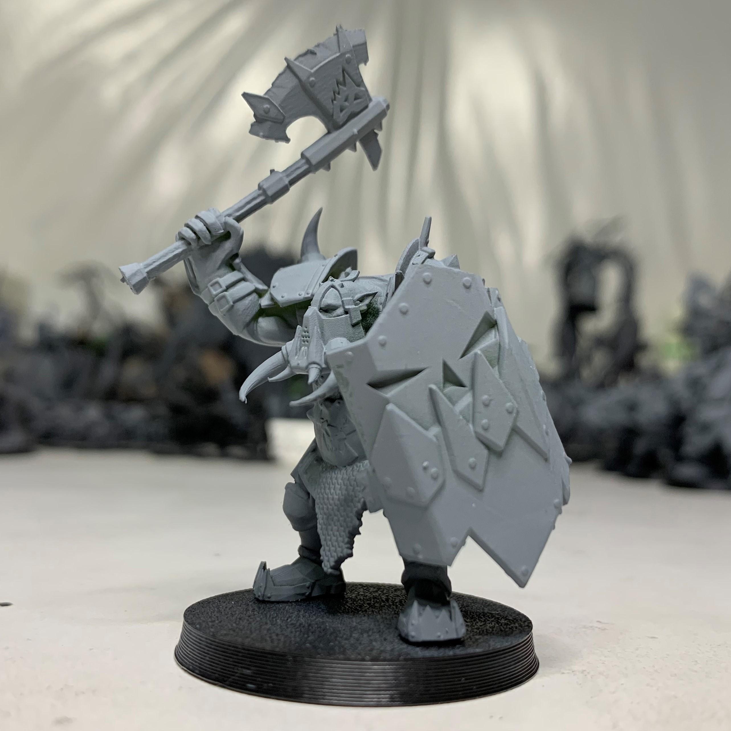 IMG_1199-1.jpg Download free 3MF file Black-Armored Boss Gitz • 3D printer model, EmanG