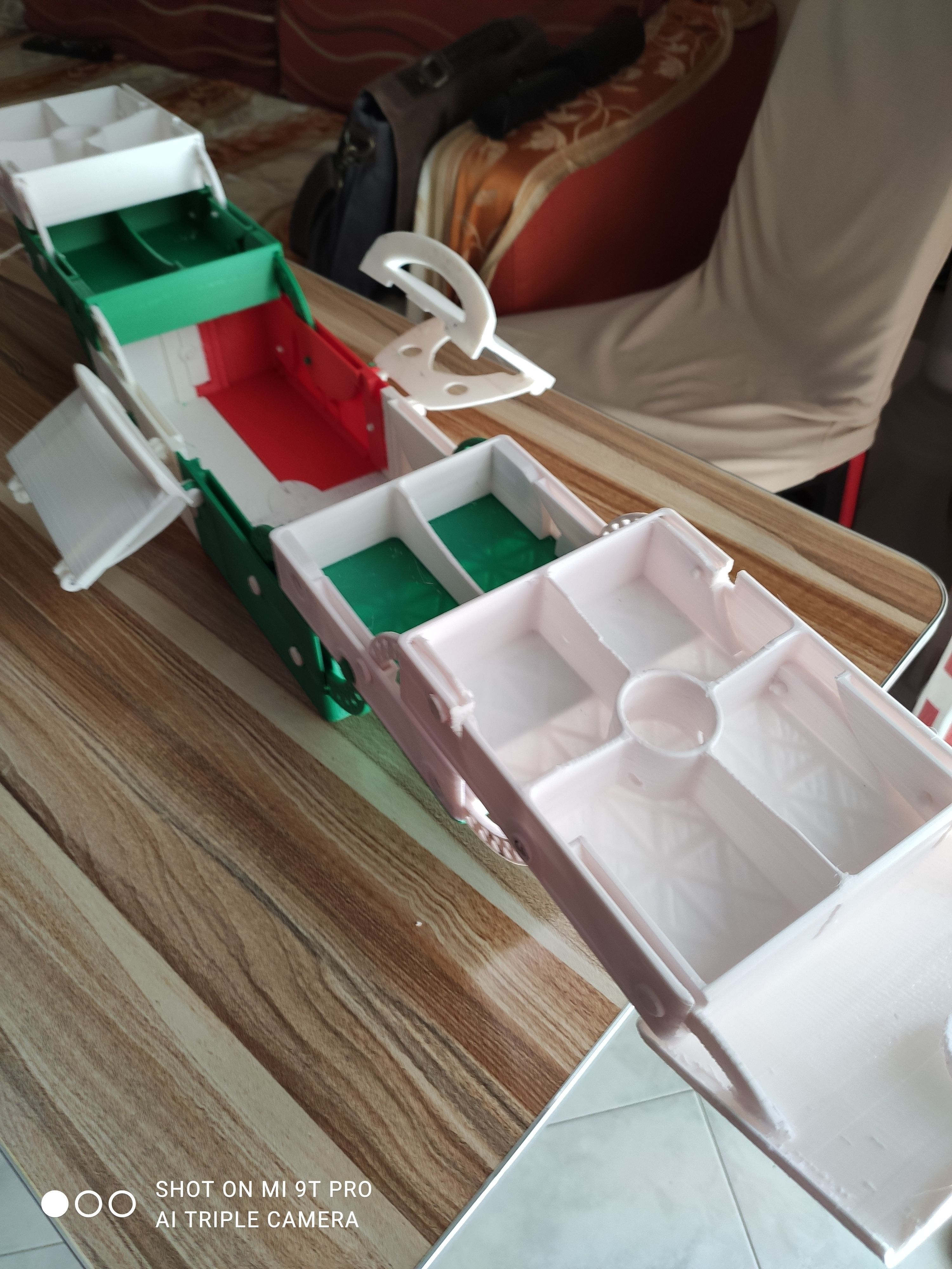 1608827781246.jpg Download STL file Multiple container ( closed 180x370mm) construction Contenitore multipla trasportabile Multibox • 3D printable design, mikifly10