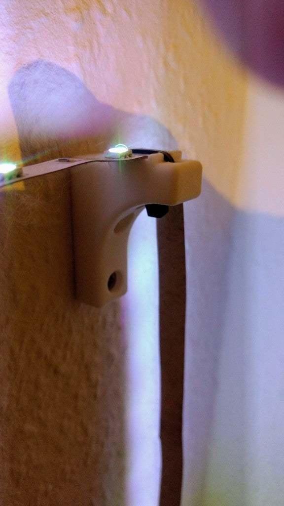 IMG_20190226_210154737.jpg Download free STL file LED strip light holder • 3D print design, markusg