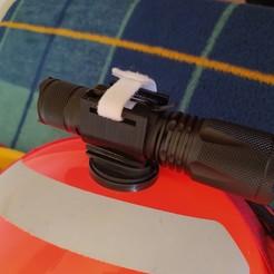 IMG_20200822_125015.jpg Download free STL file Flashlight support for firefighter helmet. • Template to 3D print, robledastudio
