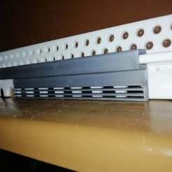 125091280_761734738018970_6419828619632929994_n.jpg Download STL file Ventilated beehive door reduction • 3D printable template, Vegetrunks