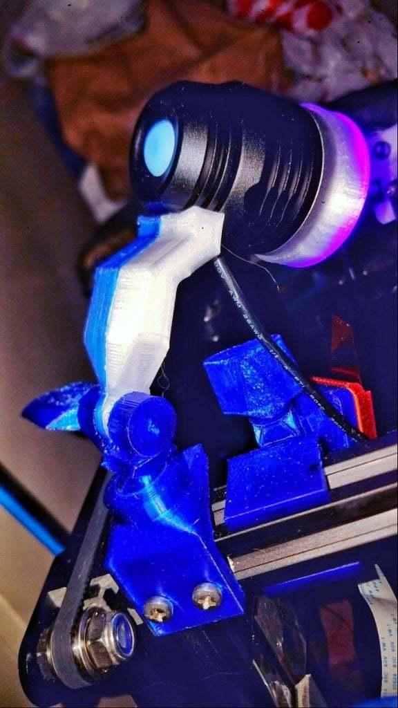 20200927_104011-01.jpeg Télécharger fichier STL gratuit Support de lampe UV pour le rail 2020 • Modèle à imprimer en 3D, lysithea81