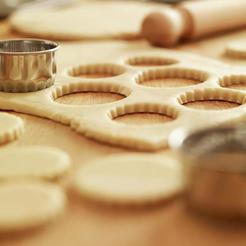 scalloped-cookie-cutters-and-sugar-adam-gault.jpg Télécharger fichier STL Canada Leaf • Modèle pour impression 3D, CookieCutters3D