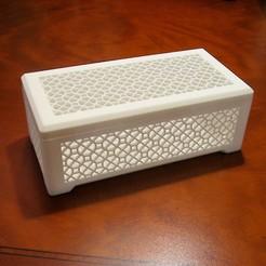 Box 1.jpg Download free STL file Hinged Box With Geometric Pattern • Design to 3D print, KeenanFinucan