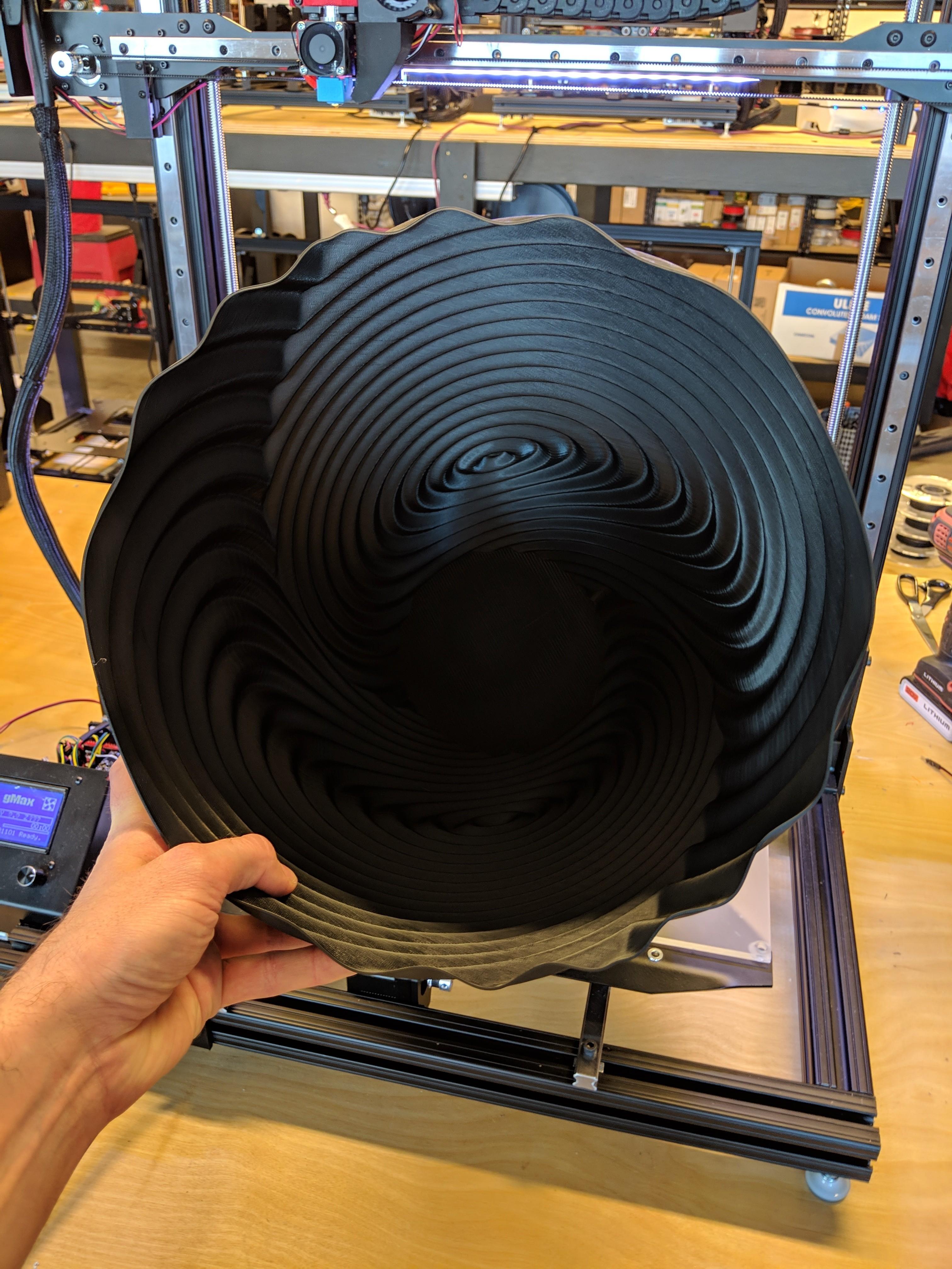 ripple_twist_vase (7).jpg Télécharger fichier STL gratuit Vase torsadé gMax pour vase à ondulation torsadée • Plan pour impression 3D, gCreate