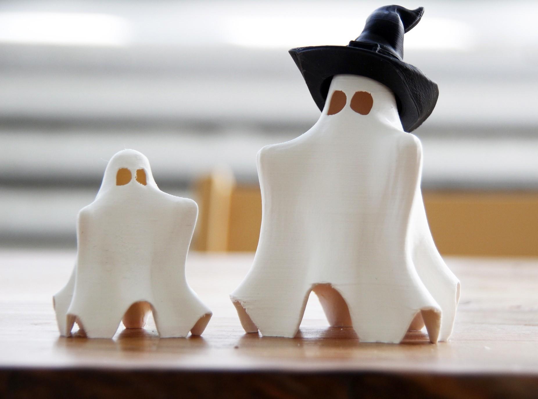 pair of ghosts (1).jpg Télécharger fichier STL gratuit Cute Hug Me Ghost • Objet pour impression 3D, gCreate