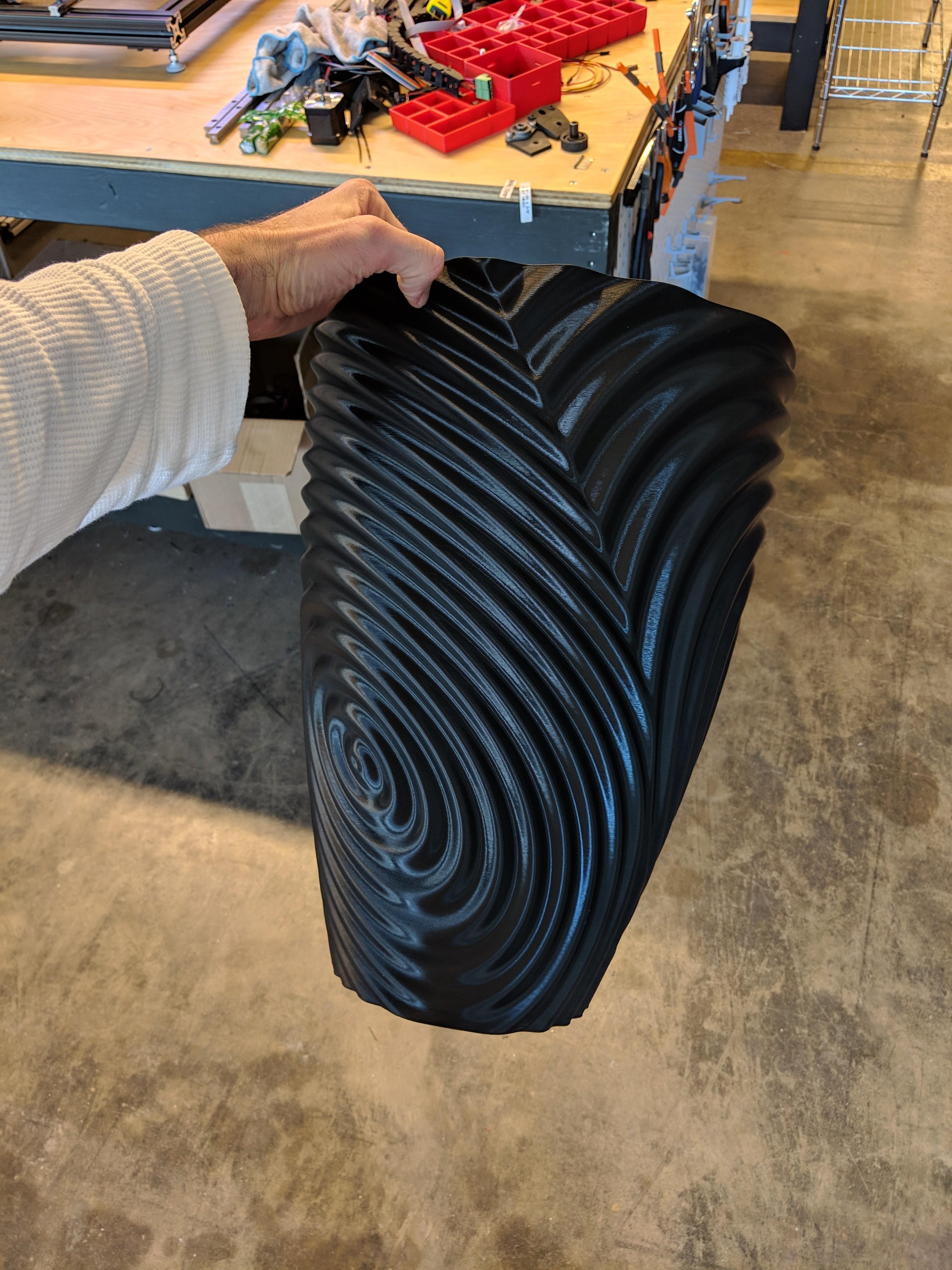 ripple_twist_vase (2).jpg Télécharger fichier STL gratuit Vase torsadé gMax pour vase à ondulation torsadée • Plan pour impression 3D, gCreate
