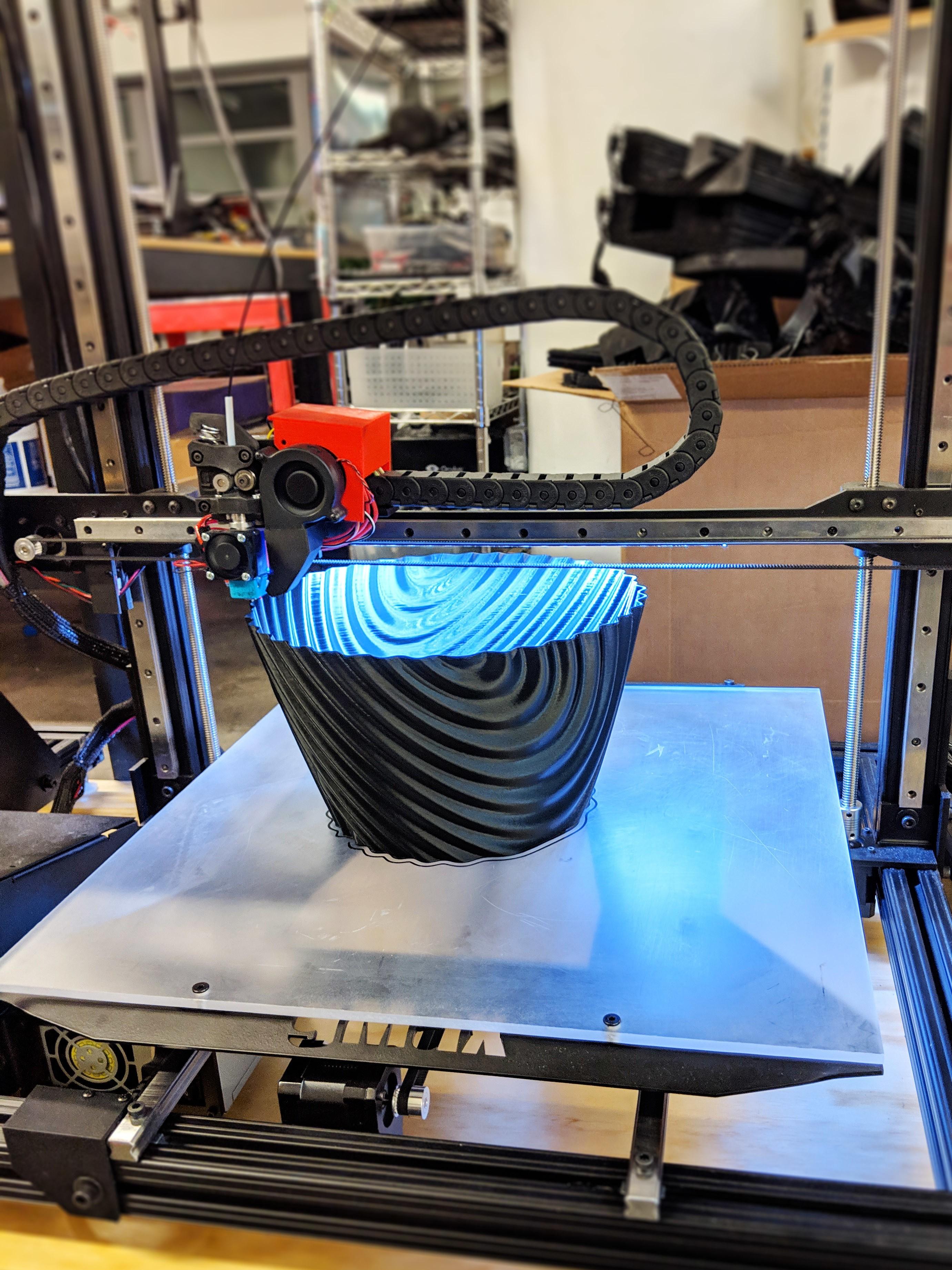 ripple_twist_vase (5).jpg Télécharger fichier STL gratuit Vase torsadé gMax pour vase à ondulation torsadée • Plan pour impression 3D, gCreate