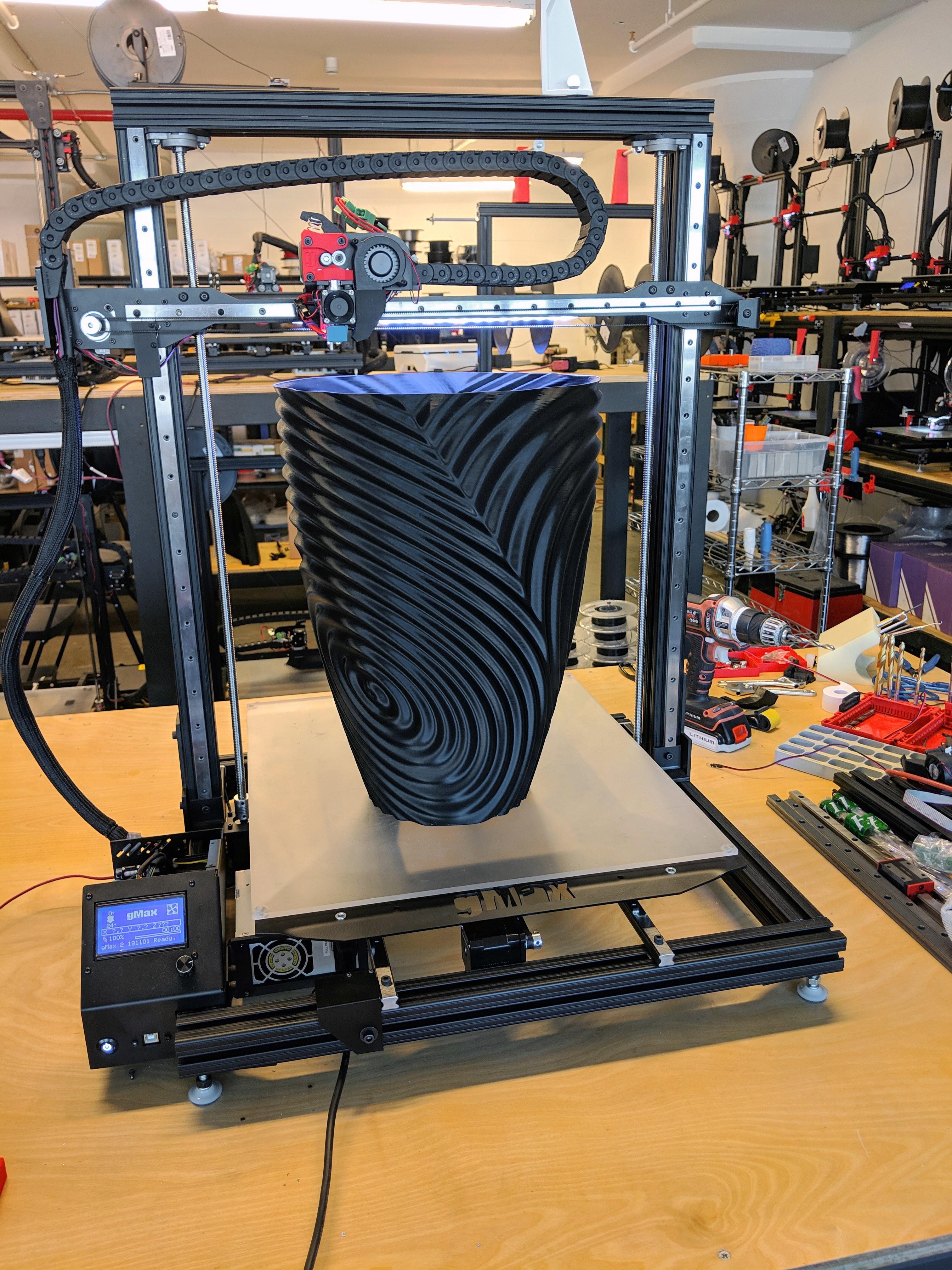 ripple_twist_vase (6).jpg Télécharger fichier STL gratuit Vase torsadé gMax pour vase à ondulation torsadée • Plan pour impression 3D, gCreate
