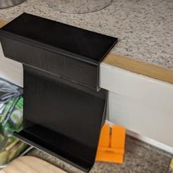 PXL_20201027_022945607.jpg Télécharger fichier STL gratuit Armoire de cuisine porte-téléphone • Modèle pour imprimante 3D, RiggsCasa