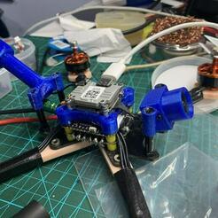 IMG_3977.jpg Télécharger fichier STL Unité aérienne Caddx Nebula Nano Vista, caméra et support d'antenne avec une distance de trou de 24-28mm • Modèle à imprimer en 3D, johnlamck
