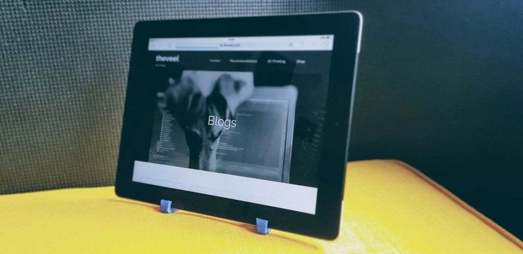 batch_20200323_102627_1.jpg Télécharger fichier STL gratuit Stand imprimé iPad 3d • Plan pour imprimante 3D, theveel