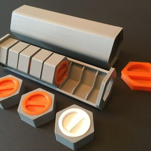 IMG-3583.JPG Download STL file HexaPill - Modular pillbox / pill dispenser • 3D printing design, yozz