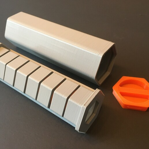 IMG-3582.JPG Download STL file HexaPill - Modular pillbox / pill dispenser • 3D printing design, yozz
